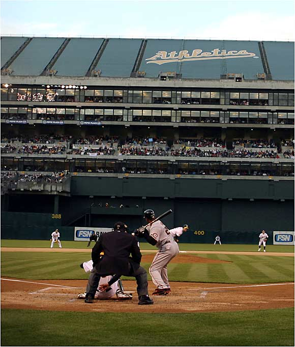 On Friday night in Oakland, Barry Bonds went homerless for the ninth consecutive game in pursuit of the Bambino.
