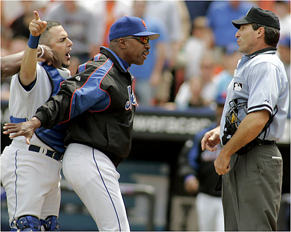 Mets catcher Paul Lo Duca argues a call with home plate umpire Angel Hernandez in New York on Sunday.
