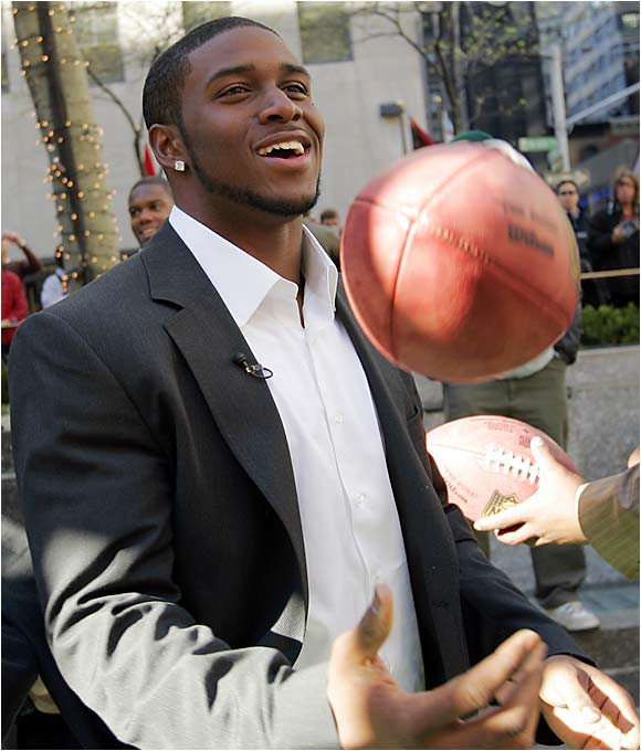 Reggie Bush took in the sights and sounds of Rockefeller Center in the days before the draft, and very well could have become a New York Jet if the team had made an offer enticing enough to the New Orleans Saints.