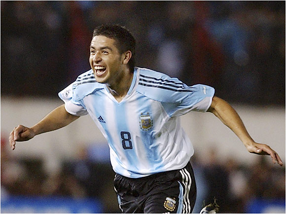 After waiting for years for a chance, Riquelme has taken over Argentina's central midfield with great success under Argentina head coach José Pekerman. Barcelona may regret selling him to Spanish rival Villarreal.