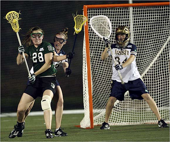Sarah Szefi (28) and seventh-seeded Dartmouth pounded Notre Dame 14-8 to advance to the championship game against Northwestern at Boston University's Nickerson Field.