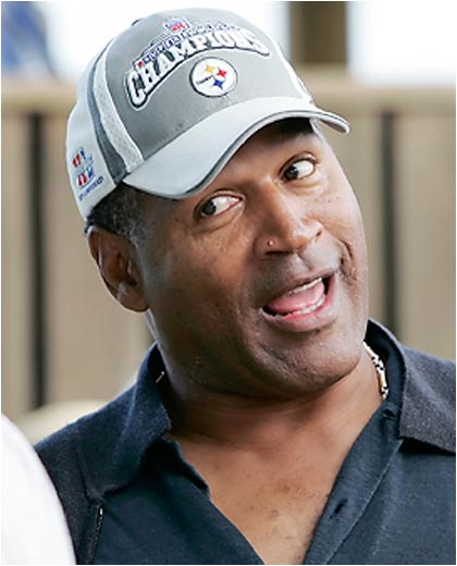 Three things: 1) Nice to see O.J. looking for the real killers at Churchill Downs earlier this week. 2) Why is the former Bills running back wearing a Steelers hat? 3) How about that pimple?