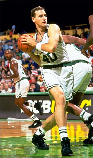 He waited until 1993 to come over to the Celtics, then started 47 games in place of the recently retired Kevin McHale. A skilled offensive player who could score both inside and out, Radja even aped some of McHale's moves in the low block, though the bulk of his impact came on the offensive end.