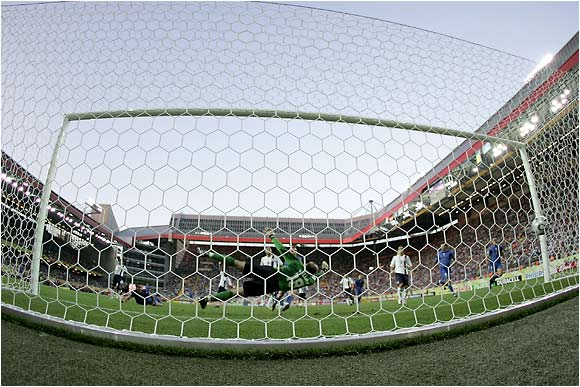 Kasey Keller can't stop this shot from Alberto Gilardino for Italy's first goal in the 22nd minute.