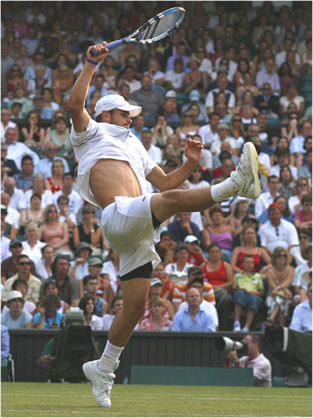 No. 3-seeded Andy Roddick joined the procession of stars exiting on Saturday, losing to Andy Murray of Britain 7-6 (4), 6-4, 6-4 before a partisan Centre Court crowd.