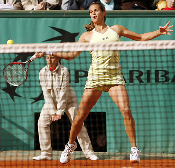 "Like most players have this year, Amelie Mauresmo struggled with the brutal weather at Roland Garros: ""It was great to play today despite the conditions, but I reckon I struggled with my tennis,"" Mauresmo said after her victory."