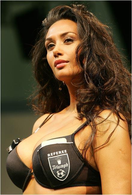 Girlfriend of Manuel Neira, who plays for Union Espanola.