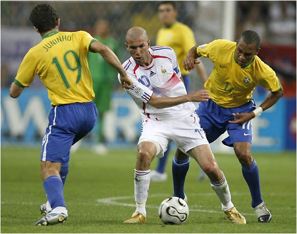 Zinedine Zidane, who had two goals against Brazil in the 1998 final, assisted on Henry's goal.