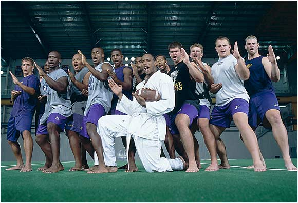Current Buffalo Bill and former Redskin TE Robert Royal assumed the lead role in team karate exercises at LSU in 2001. The marshal arts training, not only improved the team's agility, it also made them tougher.