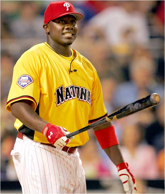 Ryan Howard batted last in each round and came away with the championship with five in the finals, including a 463-foot shot that hit a credit card promotion sign to seal the title.