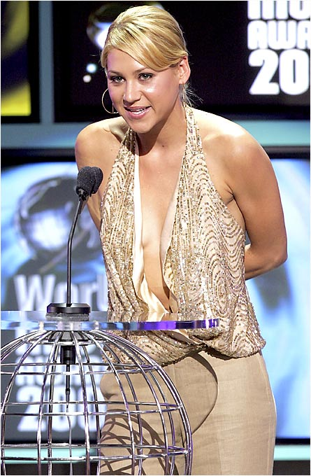 "Kournikova presents the ""Best-selling Russian Artist"" award at the 2005 World Music Awards in Los Angeles."