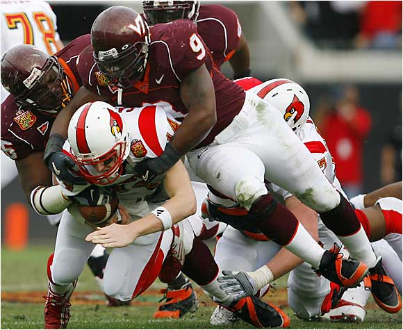As a sophomore Hall headlined a Hokies defense that led the nation in total defense and finished second in scoring defense. He earned second-team All-ACC honors after leading Virginia Tech with 112 tackles. Hall and Xavier Adibi give the Hokies one of the best linebacking duos in the country.
