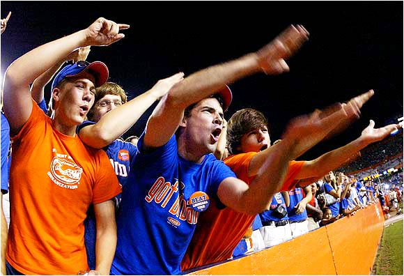 You didn't actually  think we'd have a Florida photo gallery without some fans doing the Gator Chomp?