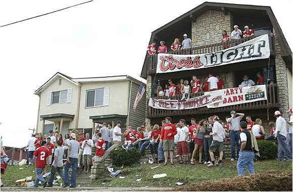 """In his prime, Maurice Clarett was the toast of Columbus, as evidenced by this sign imploring the school to """"Free Maurice"""" after he was suspended prior to the 2003 season for accepting special benefits from a family friend. Since then, life has gone downhill for Clarett, who was arrested earlier this week following a police chase that resulted in four loaded guns being found in his SUV."""