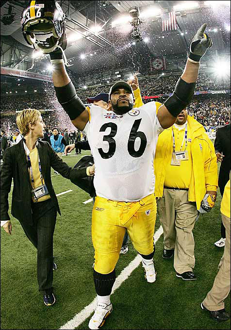 The Bus' last ride in a Steelers uniform came during Super Bowl XL in his hometown of Detroit. Bettis gained 43 yards on 14 carries, and the Steelers defeated Seattle 21-10 to give Bettis his first championship in his final game.