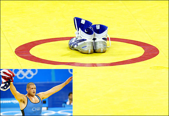 Fully aware that a picture is worth a thousand words, Gardner said it all when he left his shoes on the mat at the Athens Olympics. The affable wrestler had won the gold medal in the 2000 Games, but had to settle for the bronze in his last Olympics.