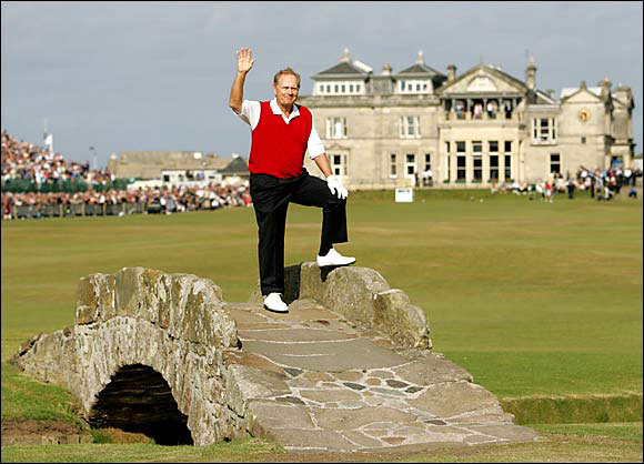 During the final hole of Nicklaus' final tournament, the 2005 British Open, the Golden Bear received a 10-minute standing ovation after crushing the final tee shot of his career. Then, in true Nicklaus fashion, he made a 15-foot birdie putt to close out the greatest career in PGA history.