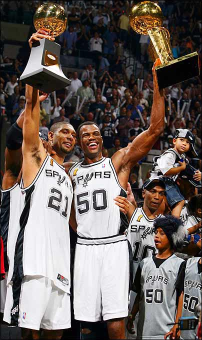 In his final NBA game, the Admiral captured his second NBA championship by scoring 13 points ad grabbing 17 rebounds in the series-clincher against the Nets. Later that year, Robinson and teammate Tim Duncan were named SI's Sportsmen of the Year.