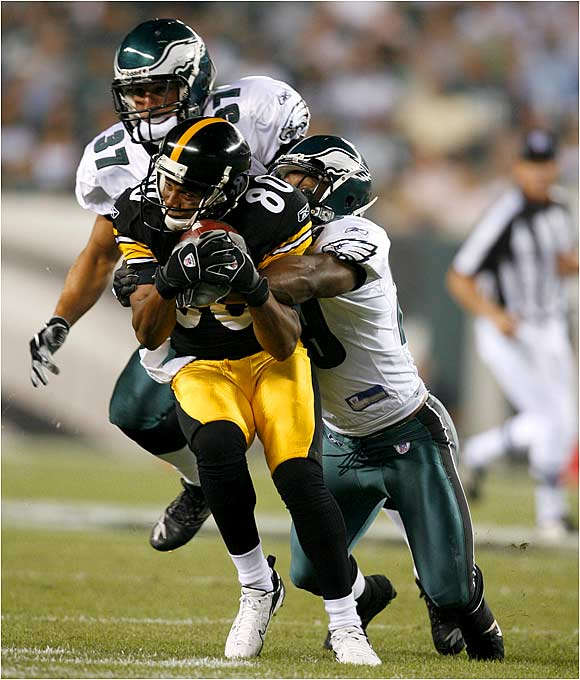 Cedrick Wilson of the Steelers makes one of his three catches against Eagles. He had the Steelers' only touchdown.