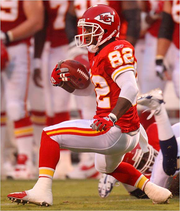 The Chiefs' Dante Hall, kick returner extraordinaire, runs one back against the Rams. Kansas City won 16-12.