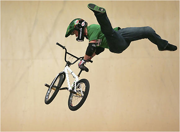 He became the first competitor in nine years not named Dave Mirra or Jamie Bestwick to win first place in the BMX Vert competition after landing the first flatspin barspin in X Games history.