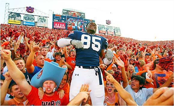 Auburn wide receiver Alonzo Horton got happy with fans after the Tigers' 7-3 victory over LSU on Saturday.