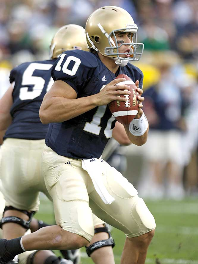 Brady Quinn threw for 316 yards and two touchdowns as the Irish moved to 4-1 for the second straight season.