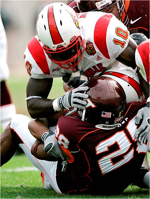"""Back in 2002, talented prep linebacker Harris was headed to Miami on a football scholarship. But a few weeks before his graduation, Harris served as a lookout man in an armed robbery. He avoided jail time by completing a six-month boot camp program, but the 'Canes revoked his scholarship. Now he's a star at Louisville and can't wait to take on the school that ditched him. """"Once I got in trouble, they never called my mom, they never called my parents, none of my family members, nobody,"""" Harris told the Palm Beach Post. """"What really gets at me, there was the same situation with another player [Willie Williams] and they gave him a chance. That's what is really burning me up inside."""""""