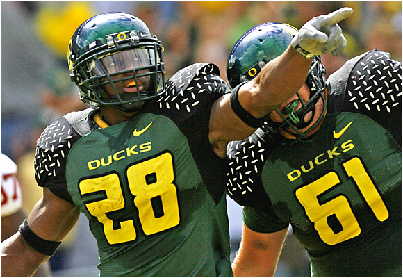 Jonathan Stewart had 23 carries for 144 yards and a touchdown as the Ducks rallied at Autzen Stadium.