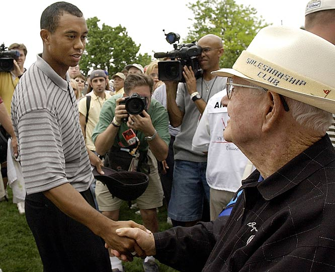 Nelson was a big fan of the way Tiger Woods could swing a golf club. No doubt Tiger felt the same way about Nelson's ability.