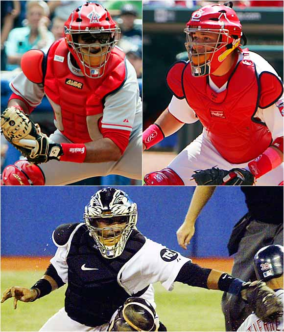 When Yadier made his debut on June 3, 2004, the Molina brothers became the first trio of siblings to play in the majors in the same season since 1977 (when Jose, Hector and Tommy Cruz did). The Molinas' father, Benjamin Sr., was a inducted into the Puerto Rico Amateur Baseball Hall of Fame as a second baseman.