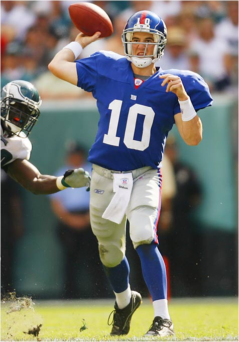 Giants quarterback Eli Manning has more career 300-yard games at Lincoln Financial Field in Philadelphia (two) than in Giants Stadium (none). The Giants' last 10 300-yard passing games have been on the road.