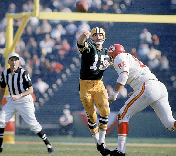 He was a 17th-round pick who became the leader of the great Packers teams of the 1950s and '60s. He led Green Bay to five NFL titles and two Super Bowl victories. Starr was always at his best when the game was on the line and captured two Super Bowl MVPs.