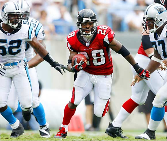 Falcons running back Warrick Dunn rushed for 132 yards against the Panthers' defense to aid in Atlanta's 20-6 win in Carolina on Sunday.