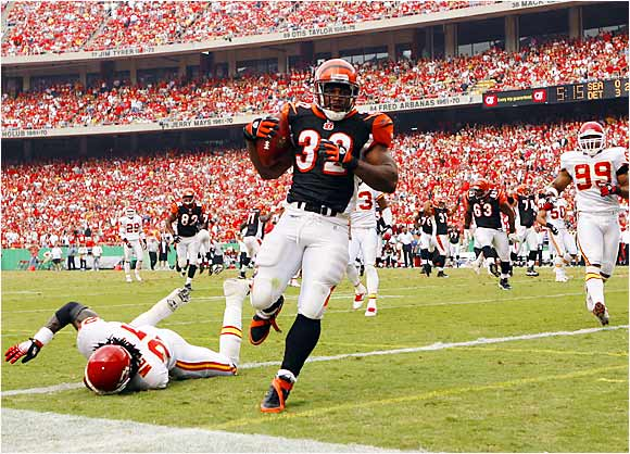 Rudi Johnson gave the Bengals a second-quarter lead against the Chiefs with this 22-yard TD.