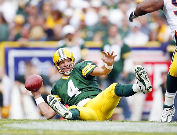 Packers quarterback Brett Favre was unable to get his offensive going, passing for a mere 170 yards with two interceptions, as the Bears shut out Green Bay 26-0 at Lambeau Field on Sunday.