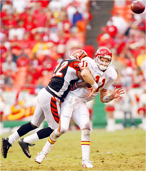 He will fill in for Trent Green, who is recovering from a severe concussion he suffered against the Bengals in Week 1. Before last week, Huard hadn't completed a pass since December 2000. Now he'll lead the Chiefs into Arrowhead, where Denver completely dominated them last season. And if Huard gets in trouble, his only backup is rookie Brodie Coyle, who wasn't impressive during the preseason.
