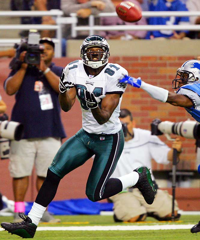 Owens joined the Eagles in '04 and caught 77 passes for 1,200 yards and 14 touchdowns in 14 games, helping them go 13-3.