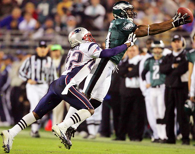 Owens recovered from a broken leg to play for the Eagles in Super Bowl XXXIX. T.O. had nine catches for 122 yards, but the Eagles lost to the Patriots 24-21.