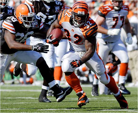 Bengals running back Rudi Johnson rushed for 145 yards and two fourth-quarter touchdowns against the Browns in Cleveland on Sunday.  Cincinnati won 34-14.