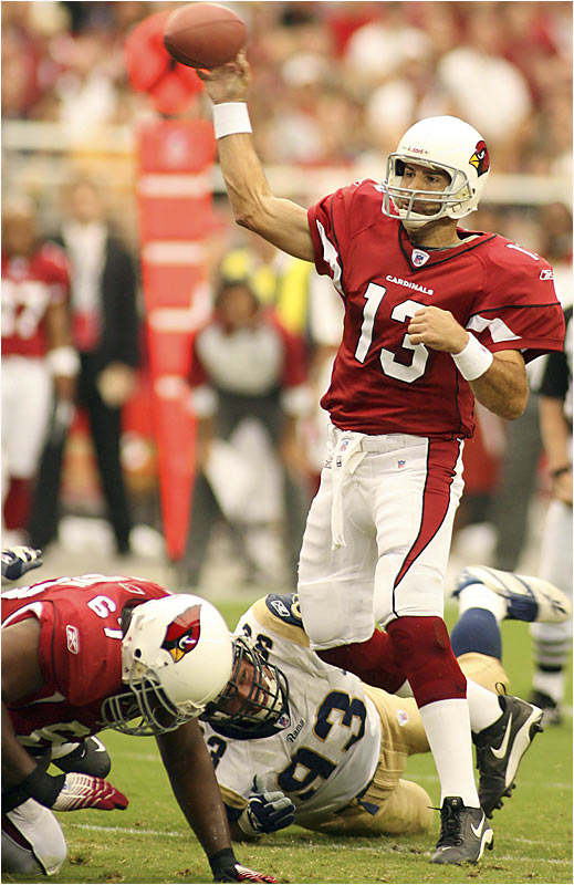 Cardinals quarterback Kurt Warner couldn't pull things together against St. Louis, throwing three interceptions and fumbling a snap at the Rams 18 with 1:46 to play in a 16-14 loss.