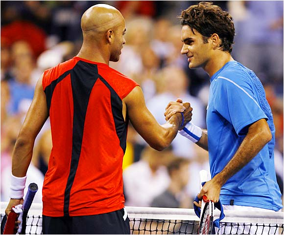 Although James Blake dealt Roger Federer his first loss of a set in the Open, it was not enough to stop the Swiss star from winning his fifth straight match over the American.