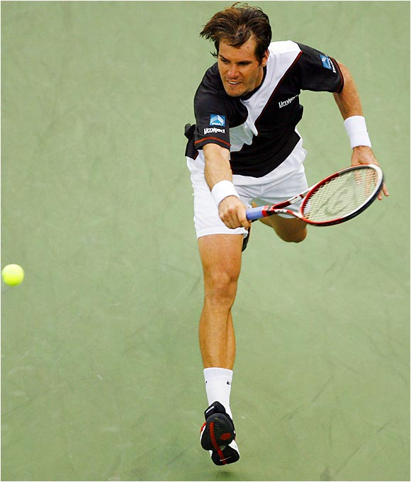 Tommy Haas jumped to a two-set lead over Nikolay Davydenko, only to lose the quarterfinal 4-6, 6-7, 6-3, 6-4, 6-4.