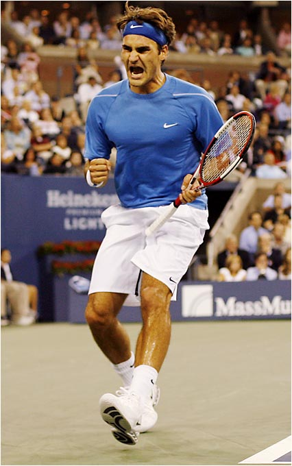 Roger Federer is trying to become the first man to win both the Wimbledon and U.S. Open titles in three consecutive years.