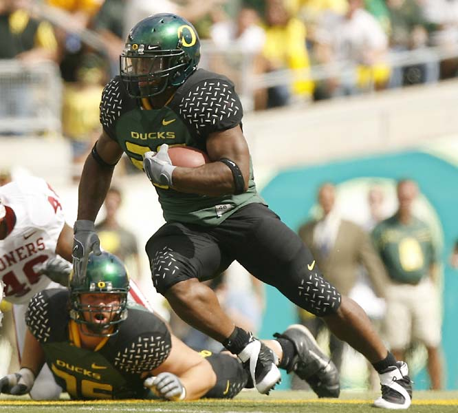 We all know Oregon should not be undefeated, but officially the record reads 4-and-oh. Jonathan Stewart has played a big part with 315 yards in essentially three games. The Ducks snuck past Fresno State and Oklahoma and will have another challenge this week with California. <br>Next test: California, Oct. 7