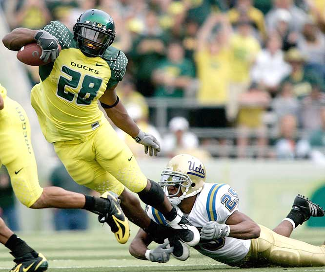 Jonathan Stewart ran for 121 yards as the Ducks totaled 256 on the ground against UCLA's run defense, which was ranked second in the nation heading into Saturday.
