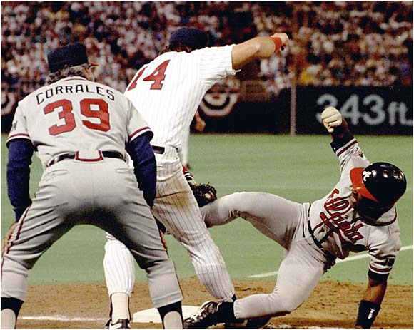 The Braves had a rally going in Game 2 of the World Series when Twins first baseman Kent Hrbek pushed Ron Gant, who had just singled, off the first-base bag and tagged him out to end the inning.