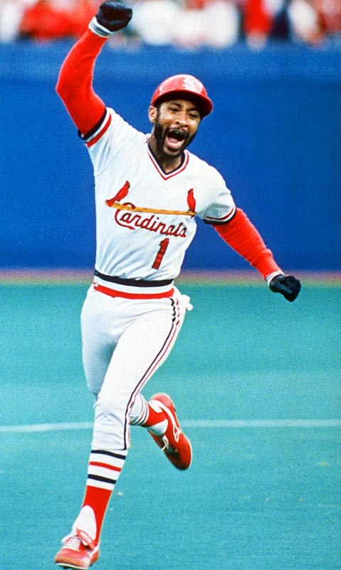 Ozzie Smith's ninth-inning solo shot off closer Tom Niedenfuer gave St. Louis a 3-2 victory and a 3-2 series lead. It was the first home run batting left-handed for the switch-hitting shortstop in 3,001 career at-bats.