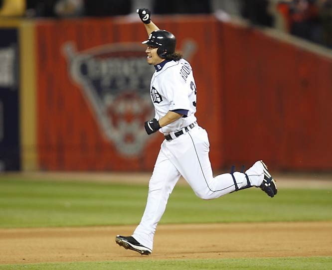 Magglio Ordonez hit a two-out, three-run homer off Huston Street in the bottom of the ninth to give the Tigers a 6-3 win and sweep of the Athletics in the ALCS.