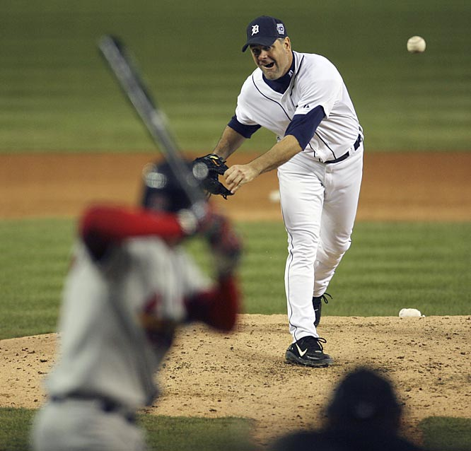 Detroit starter Kenny Rogers strikes out Juan Encarnacion in the seventh inning.